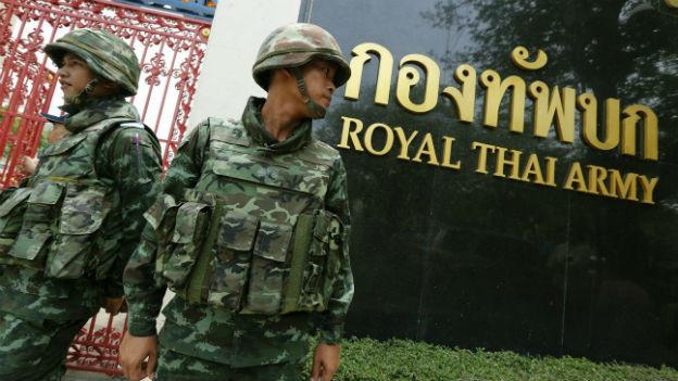 Soldaten sind noch immer auf vielen Strassen zu sehen.