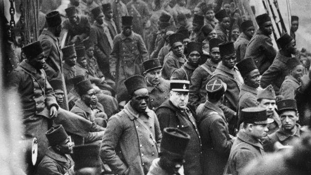Afrikanische Soldaten unter französischem Kommando im Zweiten Weltkrieg.