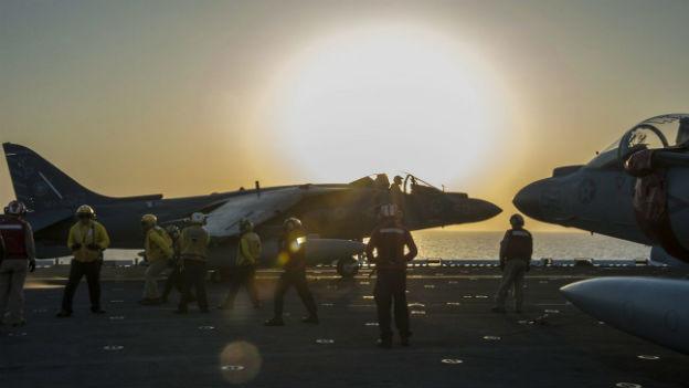 US-Kampfjets, Flugzeugträger, Arabischer Golf