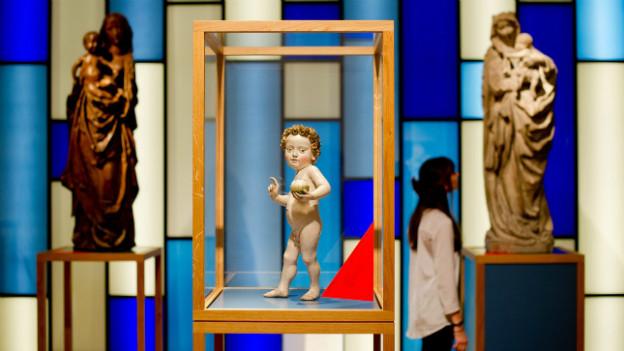 Ein Kunstwerk von Nikolaus Gerhaer von Leyden: Stehende Madonna mit Kind.