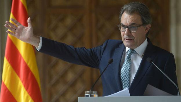 Artur Mas, Regionalpräsident Kataloniens, referiert an der Medienkonferenz.