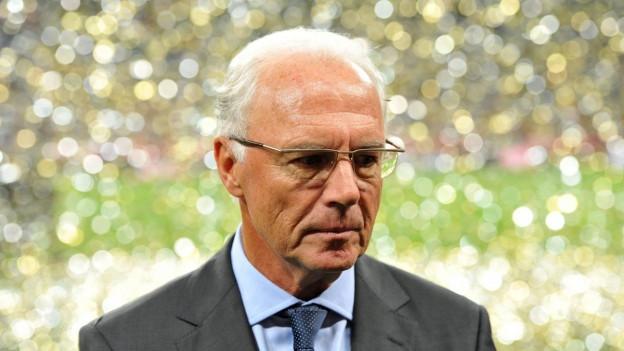Zu sehen ist der ehemalige Vorsitzende des WM-Organisationskomitees Franz Beckenbauer.