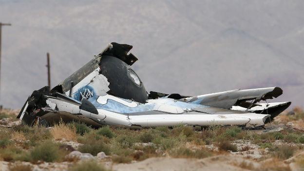 Teile des abgestürzten Raumschiffs in der kalifornischen Mojave-Wüste.