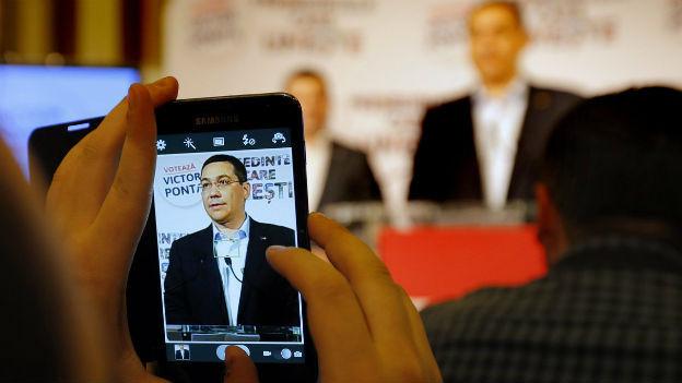 Victor Ponta nach dem ersten Wahlgang, vor seinen Anhängern.