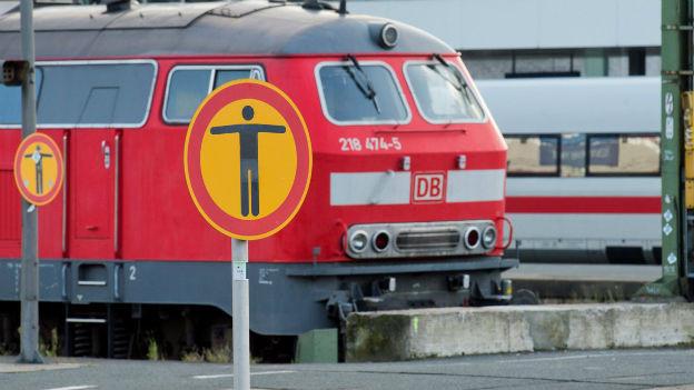 Steht bald wieder alles still? Geparkte Lokomotive während des Streiks der deutschen Lok-Führer am 17.10..