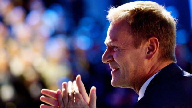 Portraitaufnahme des ehemaligen polnischen Ministerpräsidenten Donald Tusk.