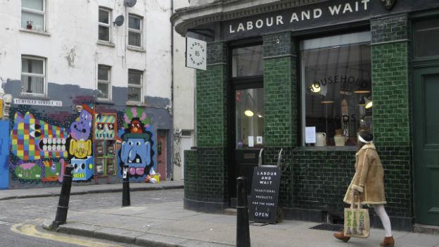 Aufnahme aus Londons Osten: Eine Strasse in Shoreditch im East End.
