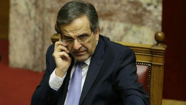 Aufnahme des griechischen Premierminister Samaras im Parlament in Athen.