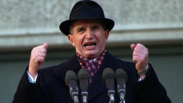 Nicolae Ceausescu spricht im November 1989, kurz vor seinem Sturz, zum rumänischen Volk.