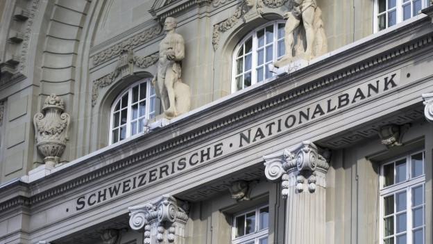 Die Fassade der Schweizerischen Nationalbank in Bern.