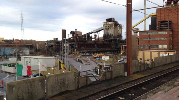 Industrieruinen in Charleroi (Wallonien). Mit den Sparvorgaben der belgischen Regierung droht der Region der weitere Niedergang.