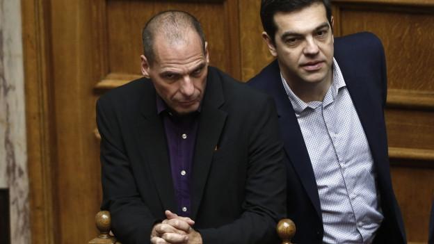 Griechischer Premier Tsipras (re) und Finanzminister Varoufakis (li).