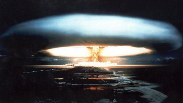 Atompilz über dem Mururoa-Atoll 1971, nachts
