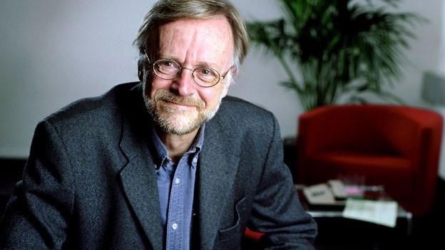 Portraitbild von Casper Selg.