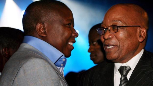 Links der damalige Jugendführer des Afrikanischen Nationalkongresses und heutige Gegenspieler Zumas Julius Malema und rechts der südafrikanische Staatspräsident Jacob Zuma.