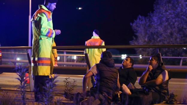 Deutsche Behörden kontrollieren drei syrische Flüchtlinge