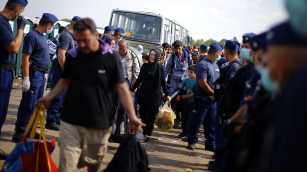 Flüchtlinge in der Nähe der Grenze zwischen Serbien und Ungarn