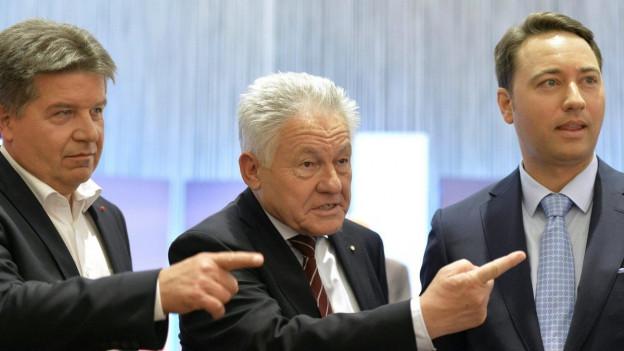 Drei Österreichische Politiker sind im Bild zu sehen