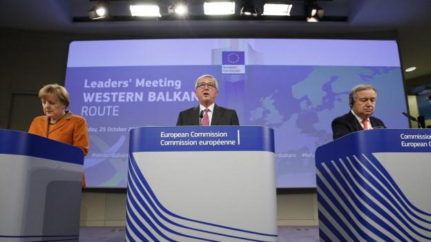 Bundeskanzlerin Angela Merkel, EU-Kommissionspräsident Jean-Claude Juncker und UN-Flüchtlingskommissar Antonio Guterres am EU-Gipfel in Brüssel.