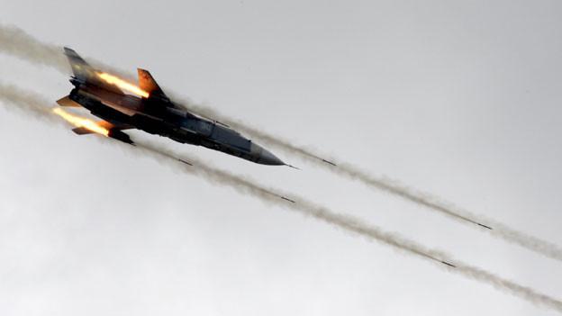 Ein Flugzeug unbekannter Herkunft habe den türkischen Luftraum verletzt und Warnungen ignoriert, worauf türkische F16-Kampfflugzeuge den Jet abschossen. Symbolbild.