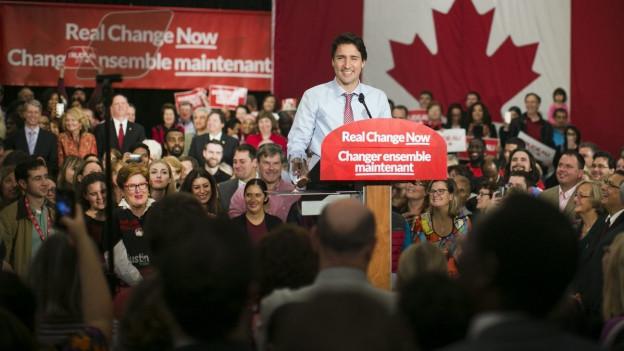 Kanadas Premier Justin Trudeau spricht auf einer Veranstaltung vor seinen Wählern.