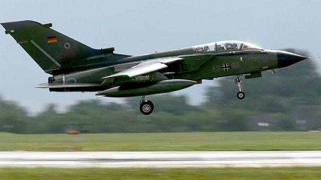 Deutschland will sich mit Tornado-Aufklärungsflugzeugen am Militäreinsatz gegen den IS beteiligen.