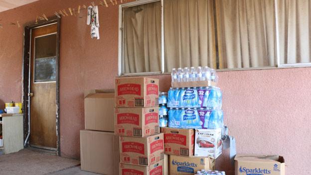 Wasserlieferung: Die kalifornische Dürre zeigt Folgen: In der Gemeinde von East Porterville im Zentrum Kaliforniens sind die Brunnen ausgetrocknet. Fast 2000 Haushalte sind betroffen.