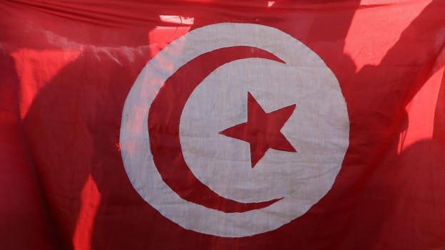 Bild von tunesischer Flagge.