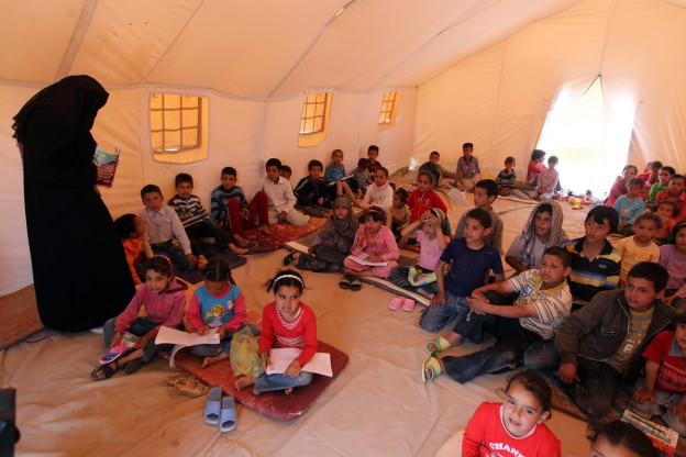 Flüchtlingskinder lernen in einer Schule in Tunesien französisch.