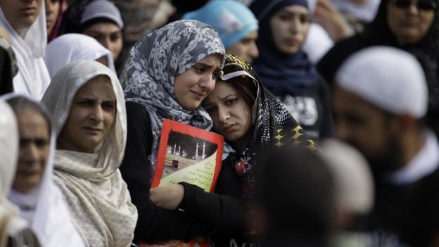 Eine Gruppe verschleierter Frauen in London. In Grossbritannien leben viele Pakistani in einer Parallelgesellschaft.