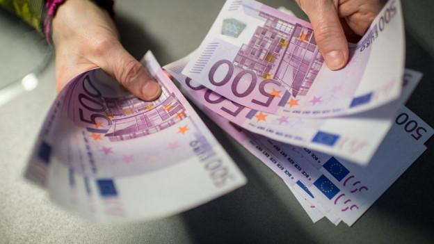 Die 500 Euro-Scheine könnten allenfalls bald der Vergangenheit angehören.