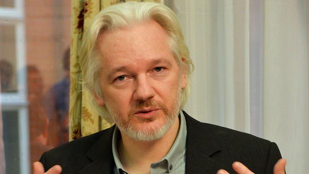 Wikileaks-Gründer Assange lebt seit 2012 in der Botschaft Ecuadors in London. Er fürchtet, wegen der Enthüllungen auf der Wikileaks-Plattform an die USA ausgeliefert zu werden.