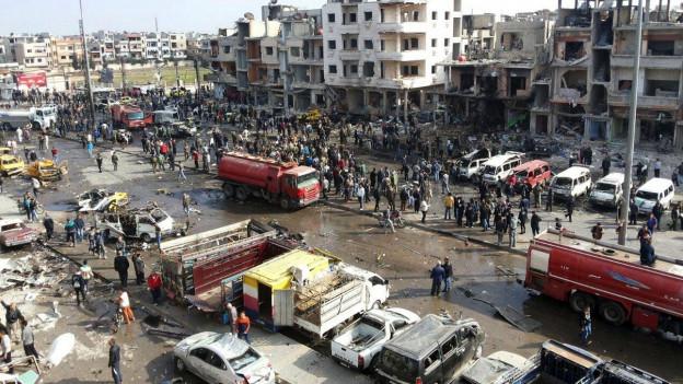 Wenn die Waffenruhe in Kraft tritt, könnten solche Szenen (Bombenanschlag in der Stadt Zahraa am 21. Februar 2016) seltener werden.