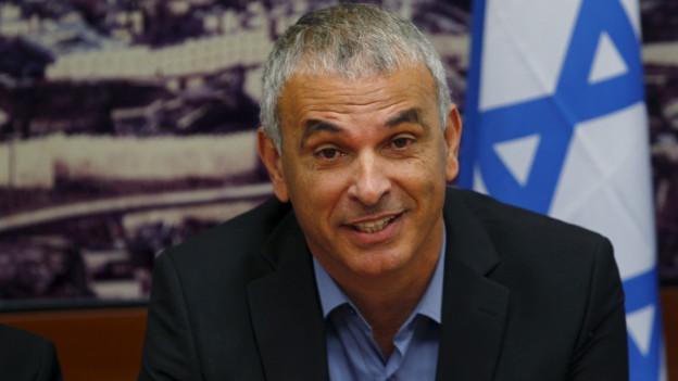 Israels Finanzminister Mosche Kachlon an eienem Treffen im Finanzministerium in Jerusalem.