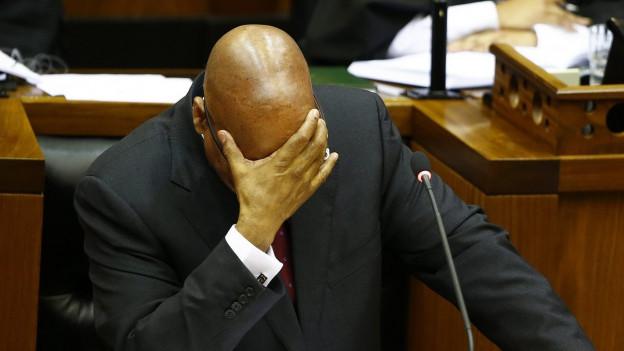 Südafrikas Staatspräsident Jacob Zuma während einer Parlamentsdebatte.