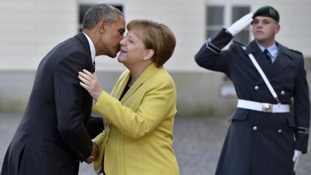 Zu sehen sind Angela Merkel und Barack Obama bei ihrer Begegnung in Hannover am Sonntag.