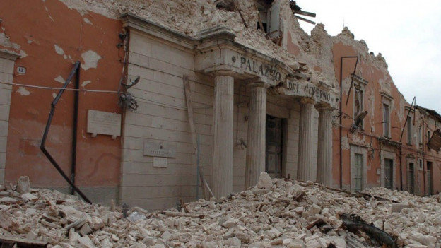 Der zerstörte «Palazzo del Governo» in L'Aquila.