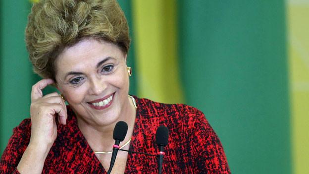 Happige Vorwürfe gegen Dilma Rousseff, Präsidentin von Brasilien. Sie soll den Staatshaushalt mit Bilanztricks gefälscht haben.