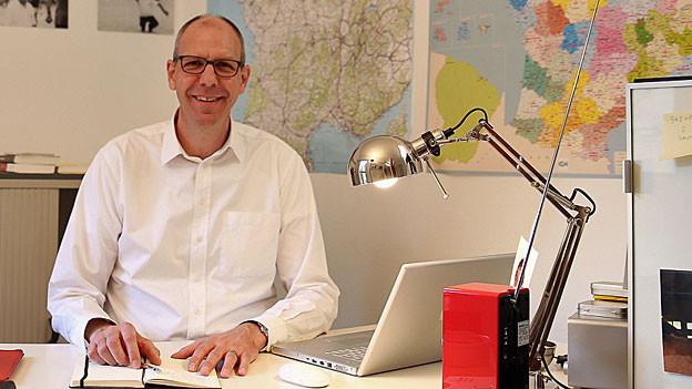 Charles Liebherr in seinem Büro in Paris.