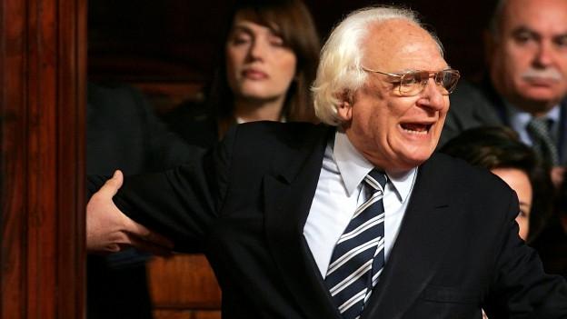 Zu sehen ist Marco Pannella während einer Parlamentsdebatte 2006.