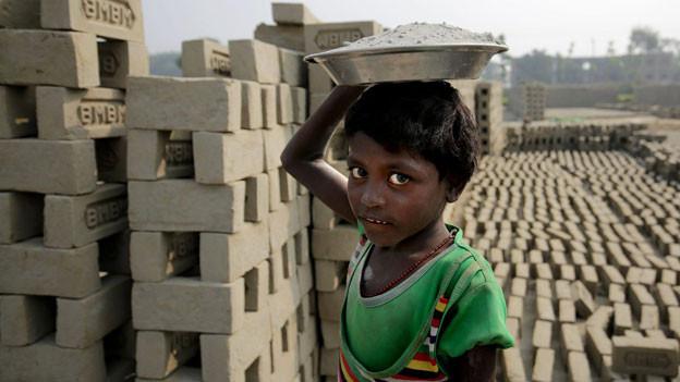 Ein Drittel der Menschen in Indien lebt unter der Armutsgrenze und ist besonders durch Sklaverei gefährdet.