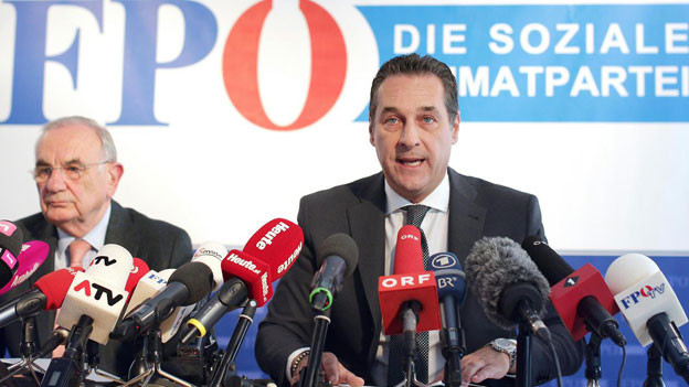 Rechtsanwalt Dieter Böhmdorfer (links) und FPÖ-Bundesparteiobmann Heinz Christian Strache. Man habe das Wahlgesetz gebrochen.