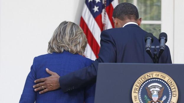 Auf diesem Foto vom 1. September 2010 sieht man Präsident Barack Obama mit der damaligen Staatssekretär Hillary Clinton.