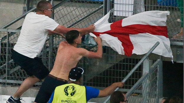 Die Uefa will keine Gewaltszenen zeigen und den Randalierern keine Bühne bieten.