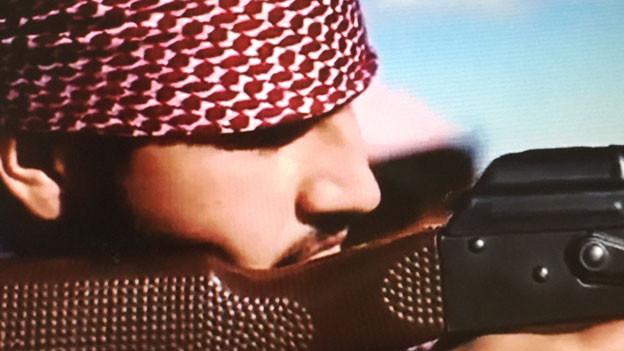 Der 20jährige Hamburger Asif N. hat sich mit einem Selbstmordattentat in die Luft gesprengt.