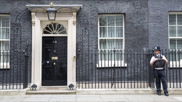 Die Front der 10 Downing Street.