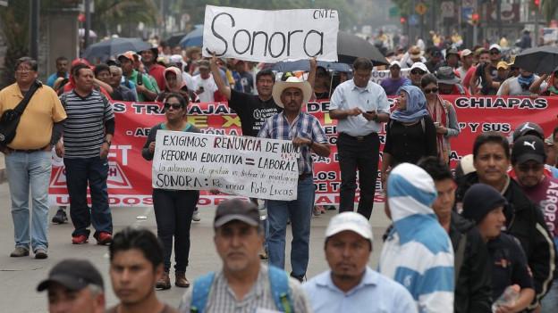 Blick auf eine Demonstration in Mexiko.