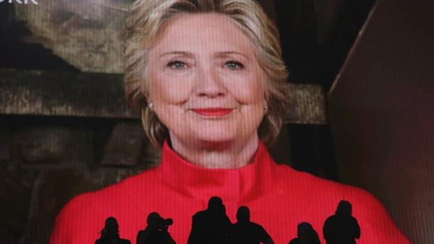Grossformatiges Portraitbild einer Frau.