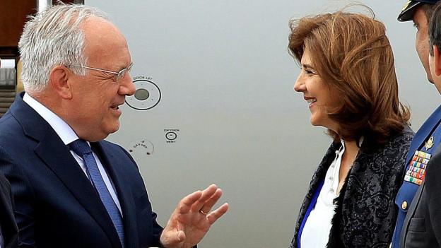 Bundespräsident Johann Schneider-Ammann und die kolumbianische Aussenministerin Maria Angela Holguin.