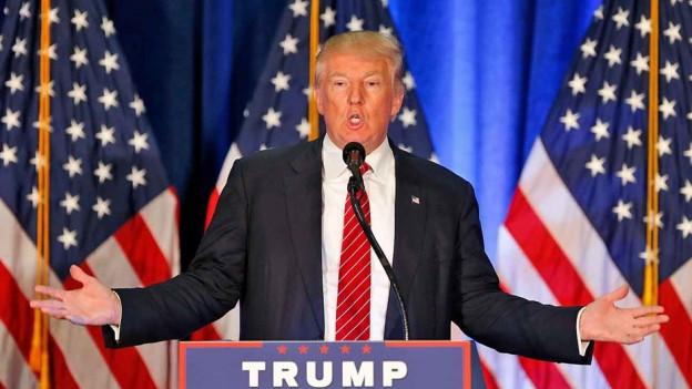 Trump am Rednerpult.